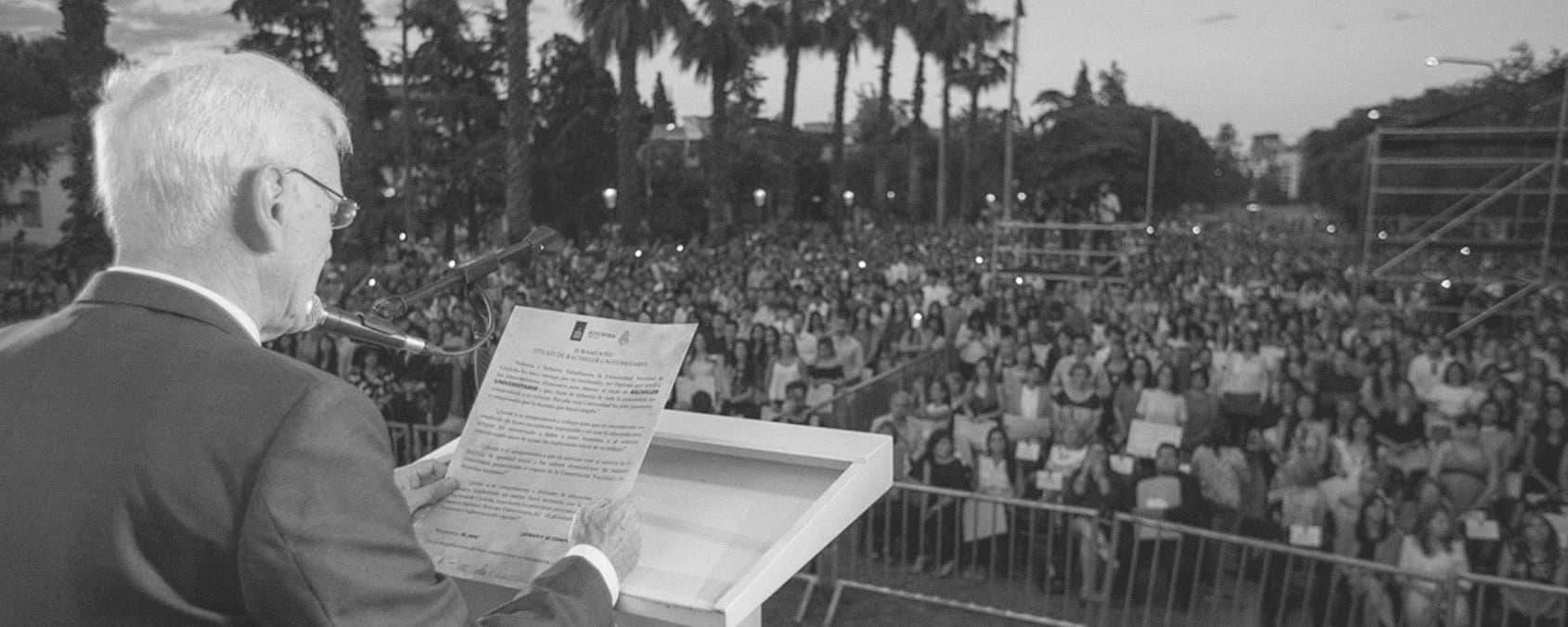 Masiva colación de Bachilleres Universitarios en el año del Centenario de la Reforma Universitaria